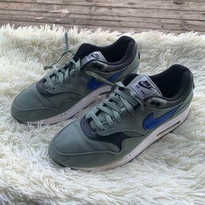 Nike Air Max Premium Shoes